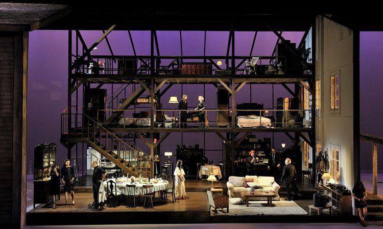 Agost - Teatre Nacional de Catalunya - (c) David Ruano.
